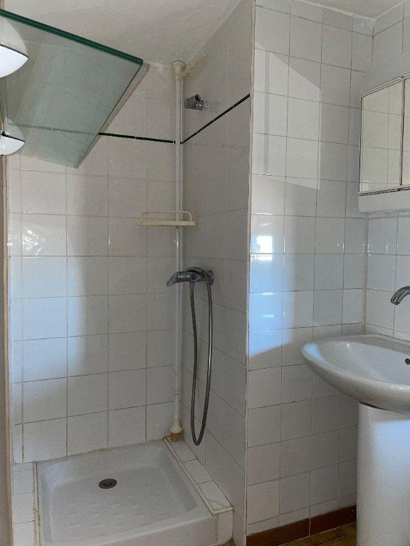 Appartement à louer 2 46m2 à Barbentane vignette-4