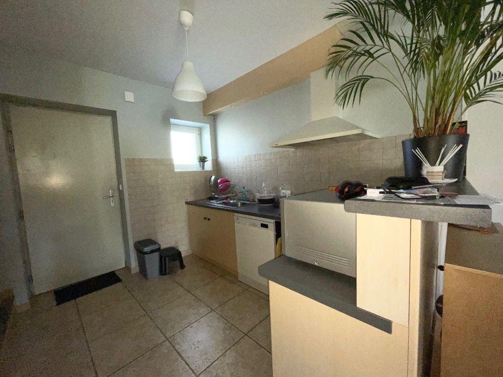 Maison à louer 3 65m2 à Châteaurenard vignette-4