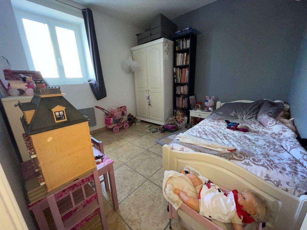 Maison à louer 3 65m2 à Châteaurenard vignette-5