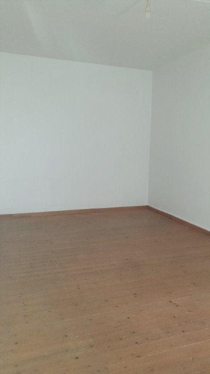 Maison à louer 5 121m2 à Graveson vignette-5