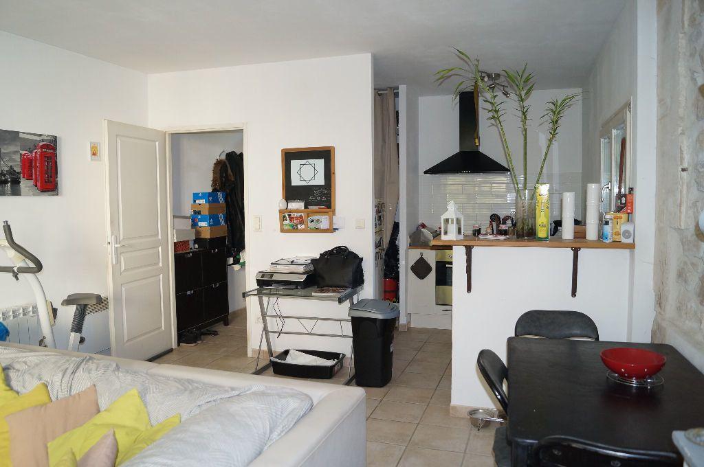 Appartement à louer 2 44.3m2 à Graveson vignette-2