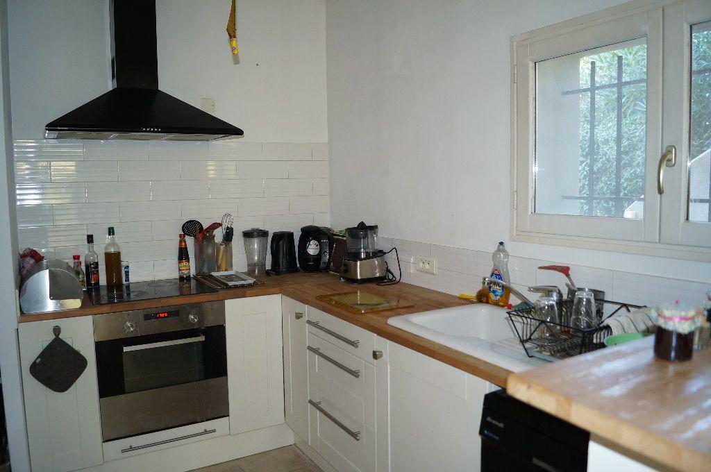 Appartement à louer 2 44.3m2 à Graveson vignette-3