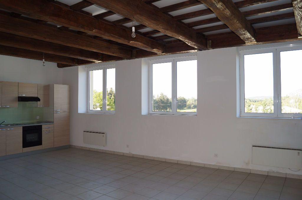 Appartement à louer 3 64m2 à Cheval-Blanc vignette-2