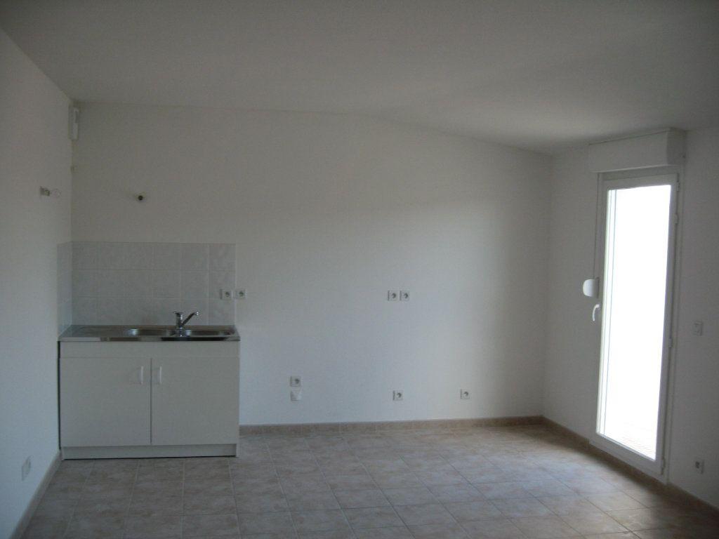 Appartement à louer 3 45m2 à Châteaurenard vignette-4