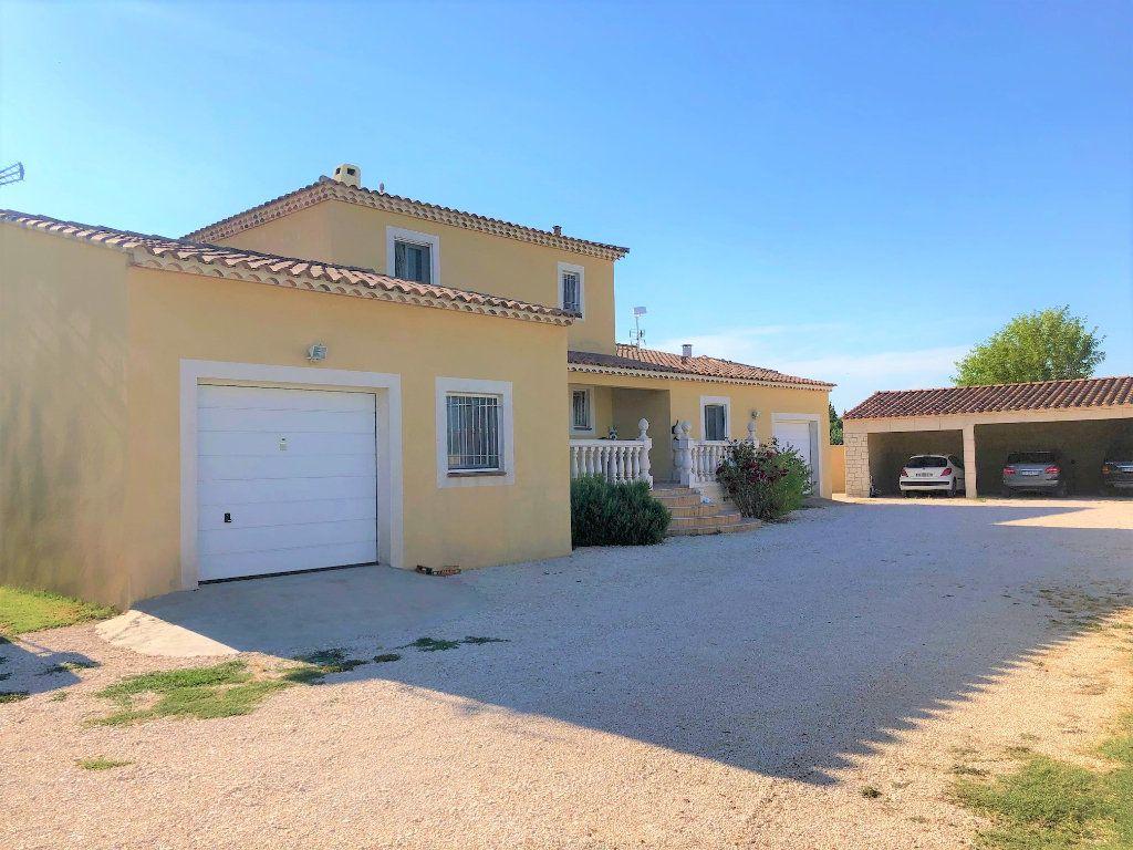 Maison à vendre 11 238m2 à Tarascon vignette-4