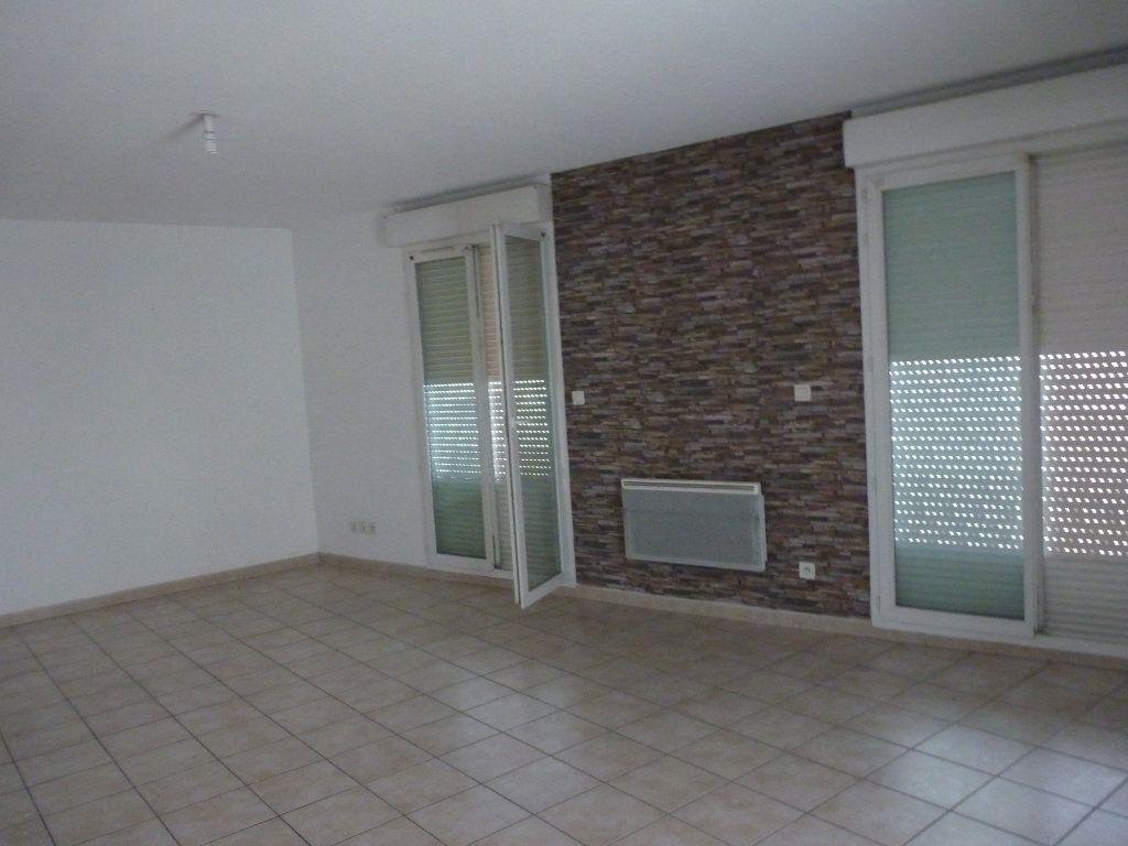 Appartement à vendre 2 47m2 à Châteaurenard vignette-1