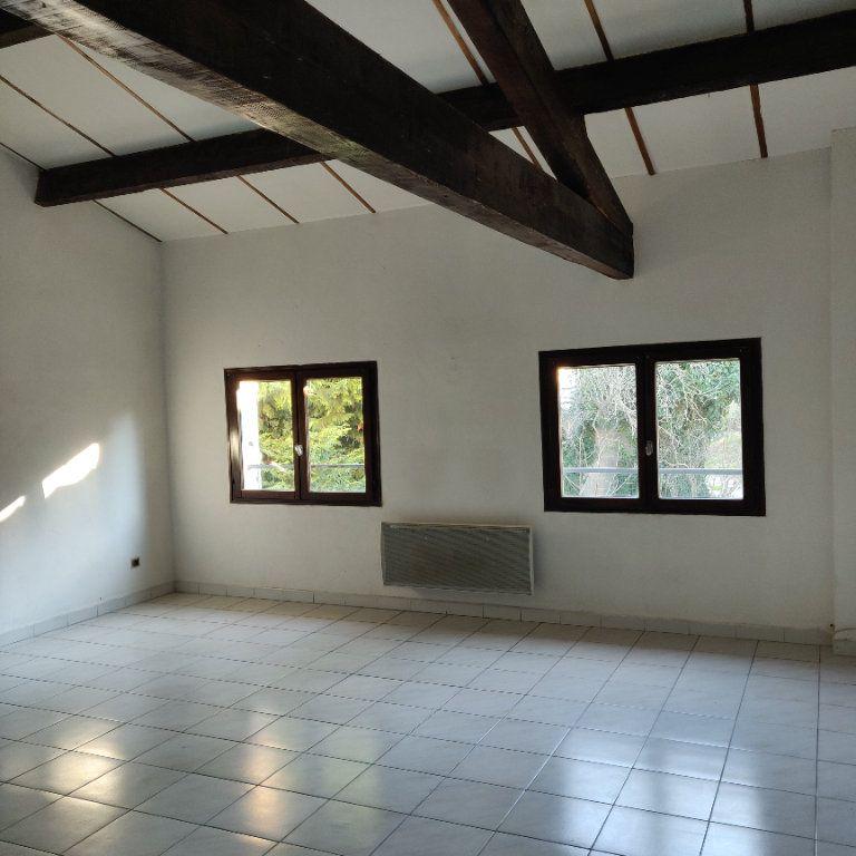 Appartement à vendre 4 83m2 à Châteaurenard vignette-1