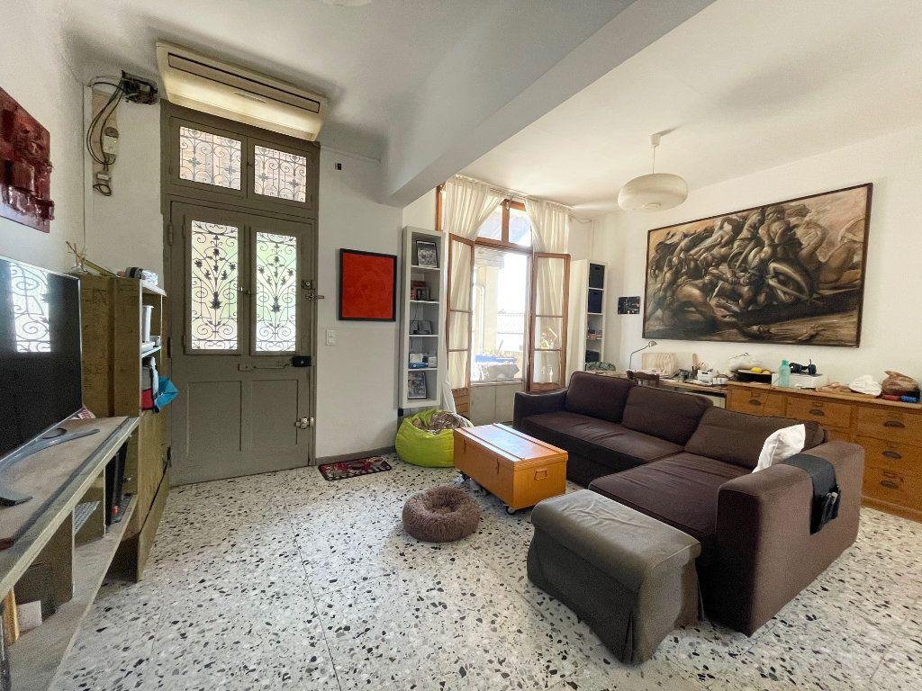 Maison à vendre 6 125m2 à Rognonas vignette-4