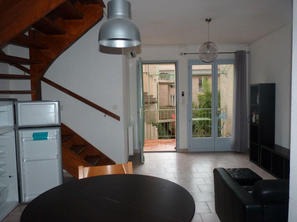Appartement à louer 3 44.47m2 à Avignon vignette-3