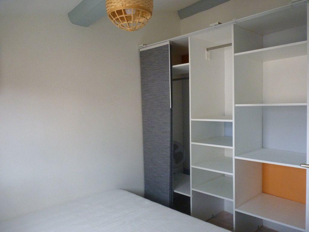 Appartement à louer 3 44.47m2 à Avignon vignette-5