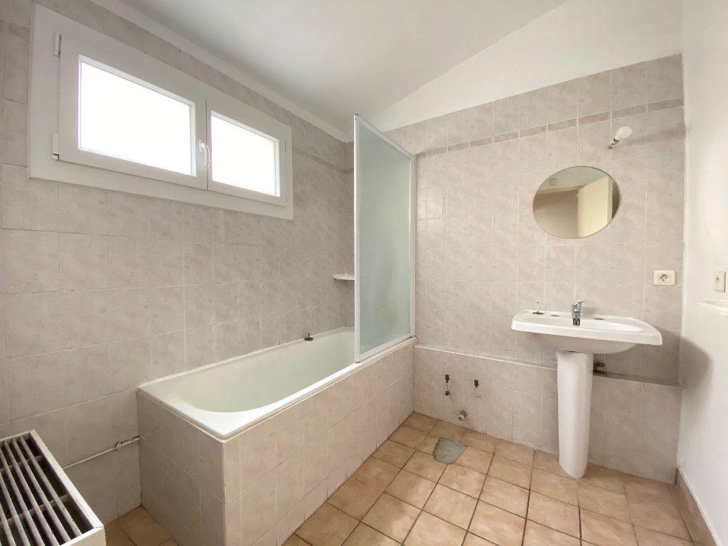 Maison à vendre 4 80.82m2 à Villeneuve-lès-Avignon vignette-8