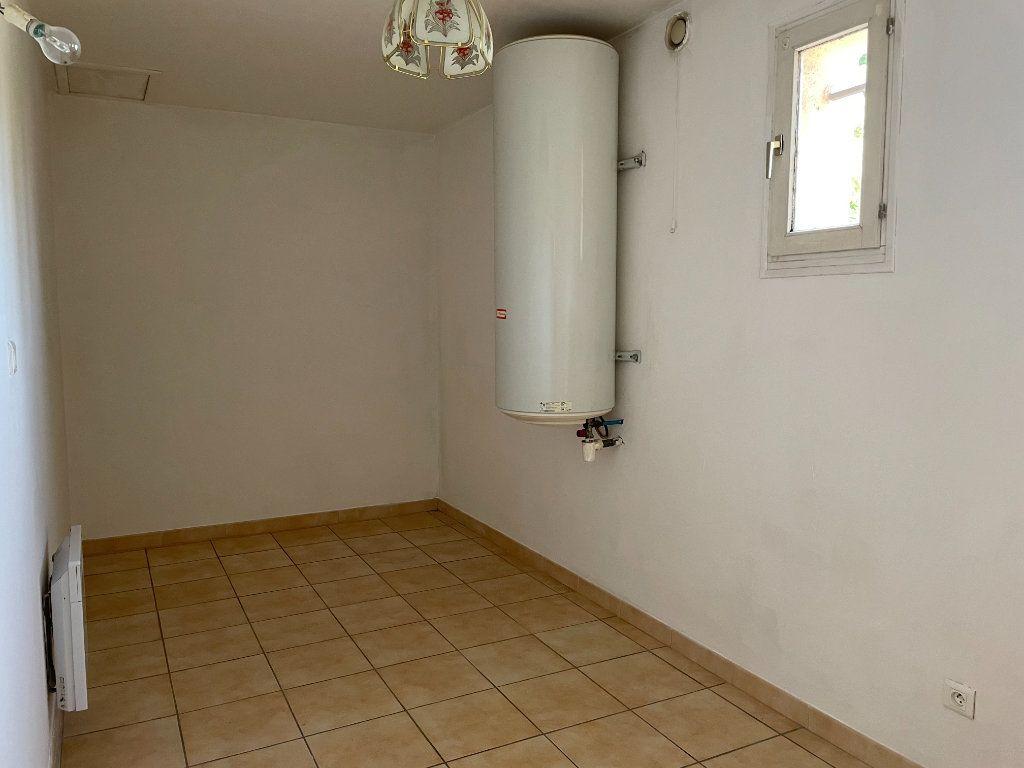 Maison à louer 3 70m2 à Rognonas vignette-2