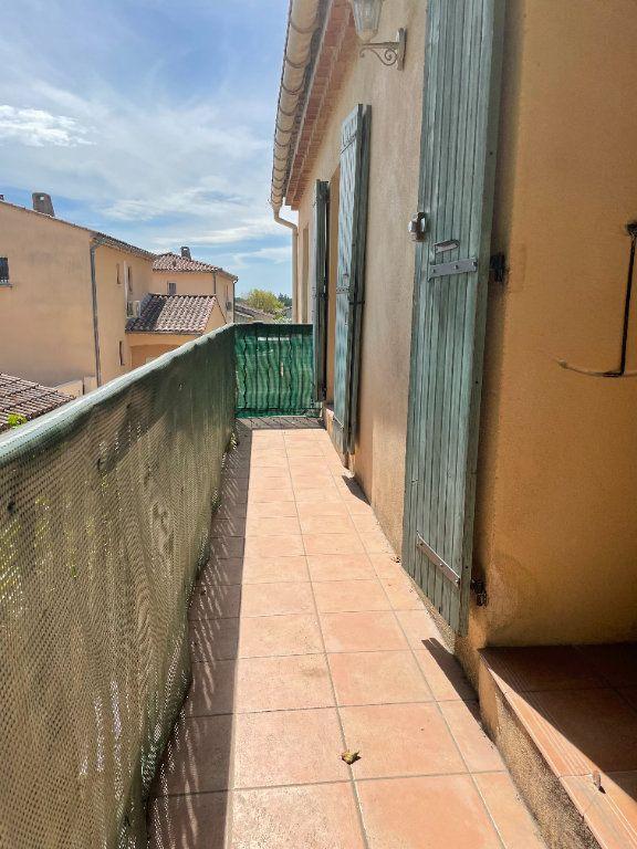 Maison à louer 3 70m2 à Rognonas vignette-4