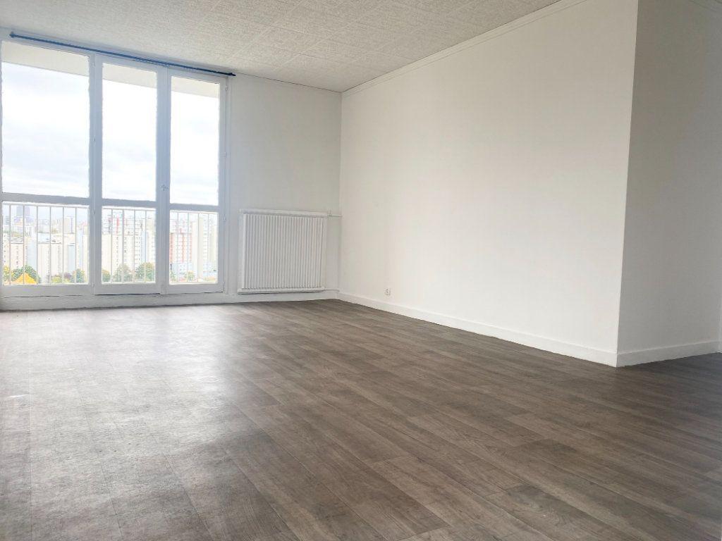 Appartement à vendre 3 63.3m2 à La Courneuve vignette-2