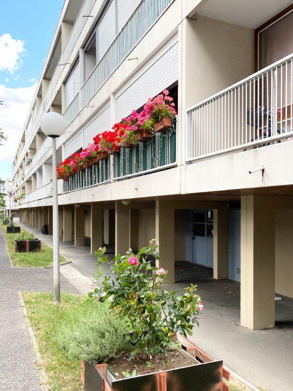 Appartement à vendre 1 27.9m2 à Stains vignette-1