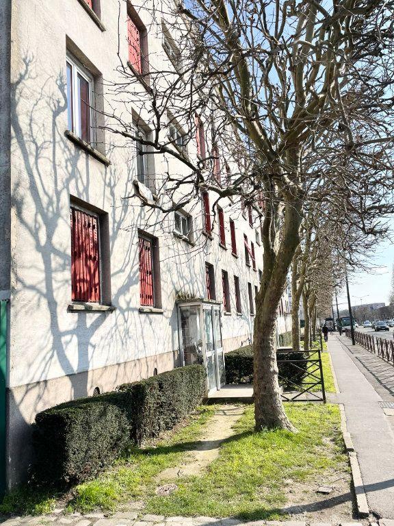 Appartement à vendre 3 50m2 à Stains vignette-1
