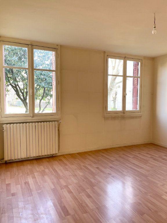 Appartement à vendre 3 50m2 à Stains vignette-2