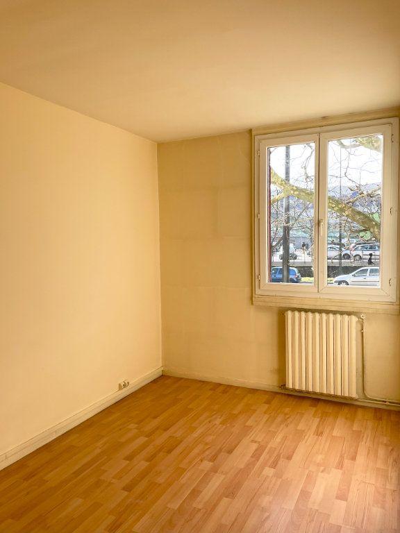 Appartement à vendre 3 50m2 à Stains vignette-3