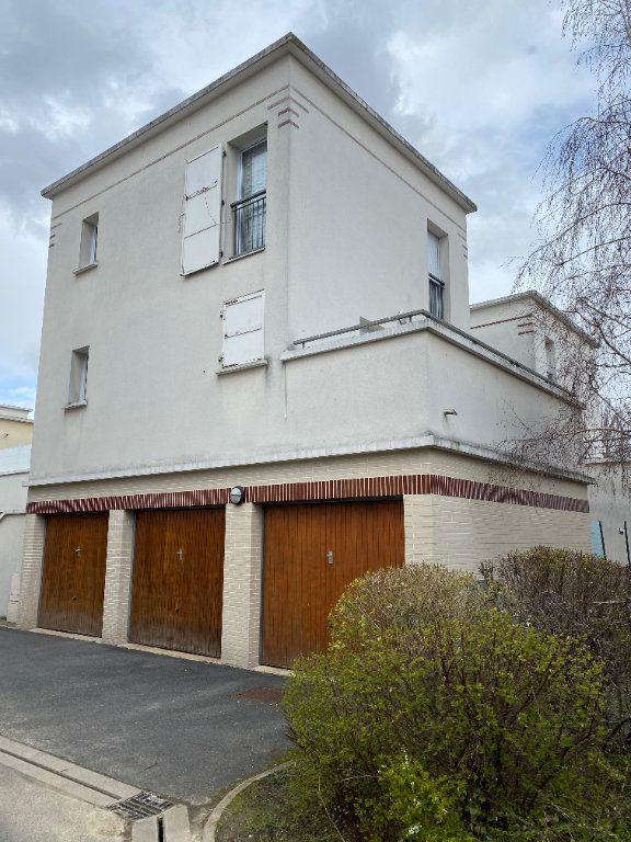 Appartement à vendre 3 59.85m2 à Stains vignette-1