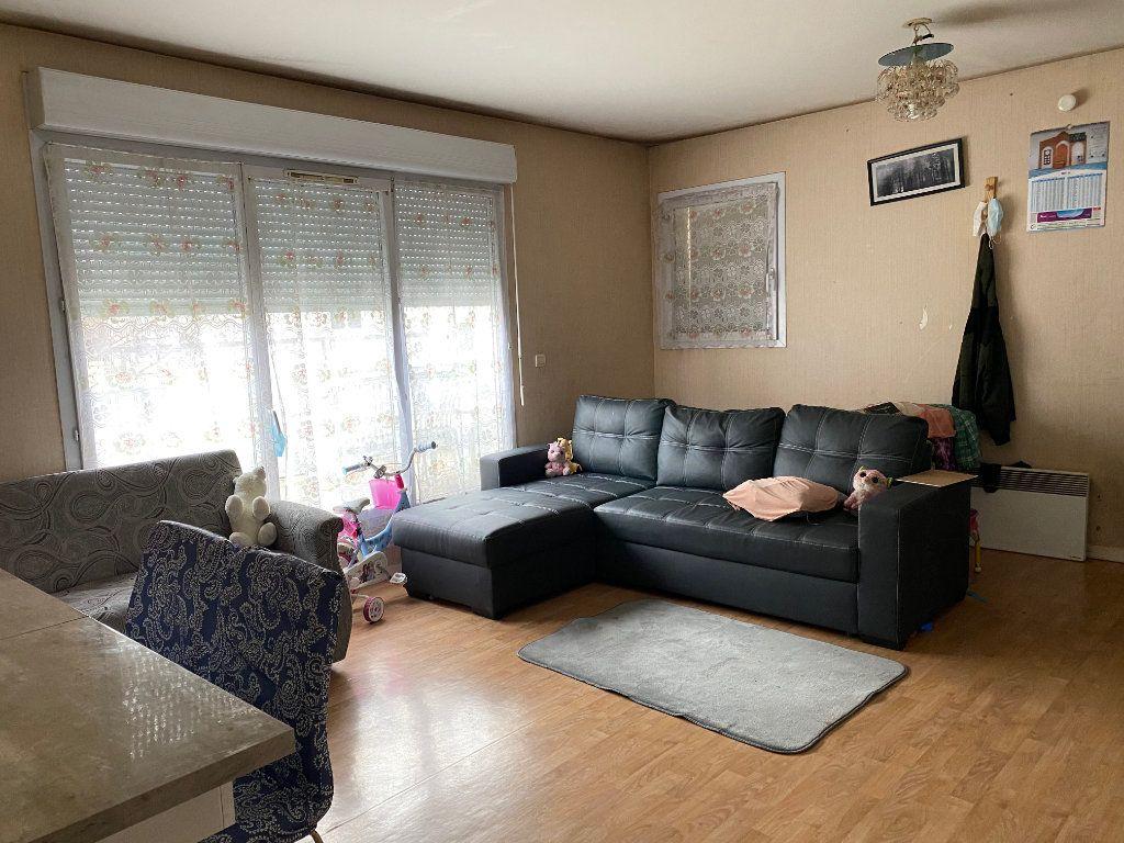 Appartement à vendre 3 59.85m2 à Stains vignette-2