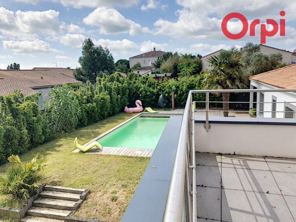 Maison à vendre 7 140m2 à Talmont-Saint-Hilaire vignette-3