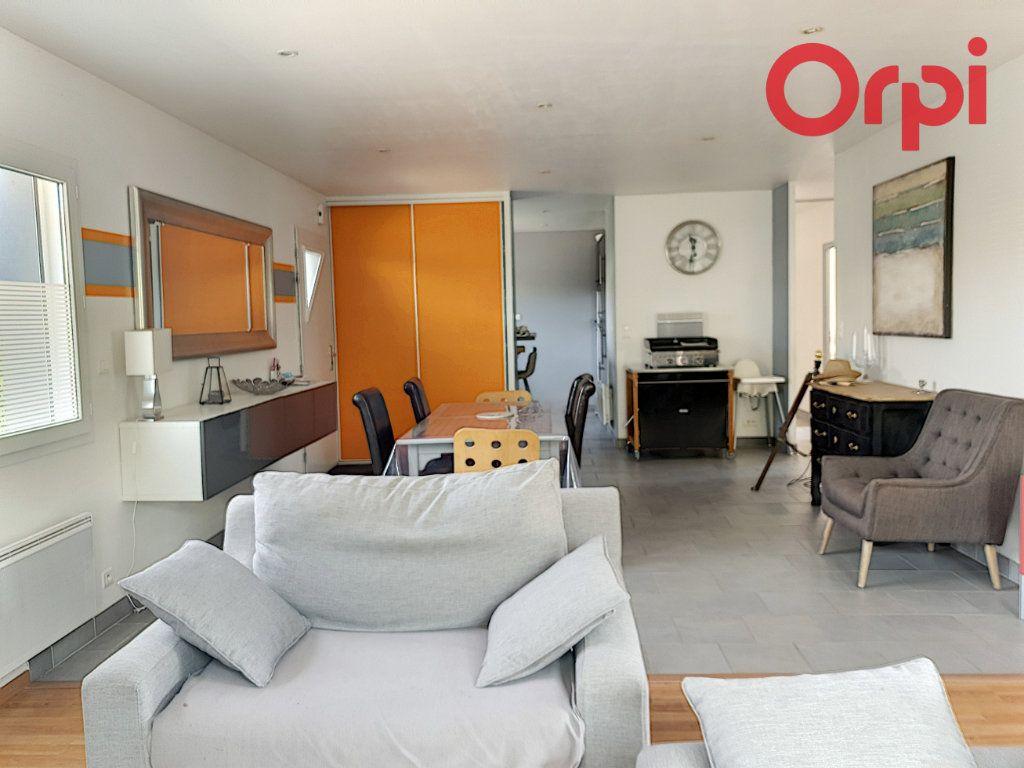 Maison à vendre 7 140m2 à Talmont-Saint-Hilaire vignette-5
