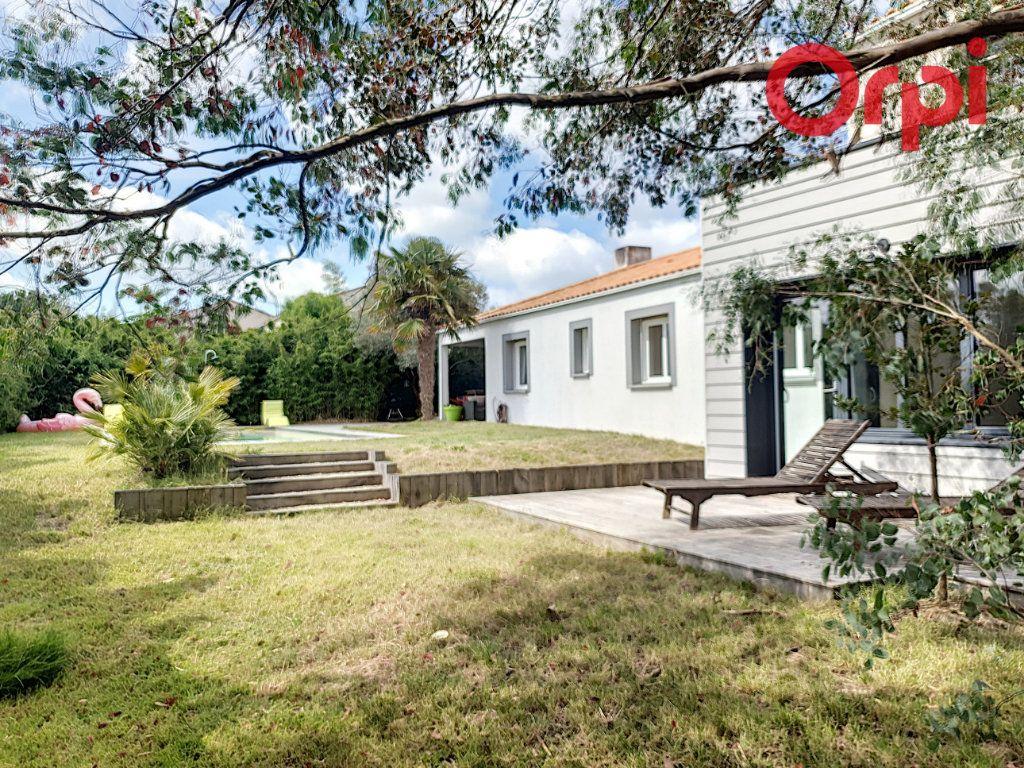 Maison à vendre 7 140m2 à Talmont-Saint-Hilaire vignette-6