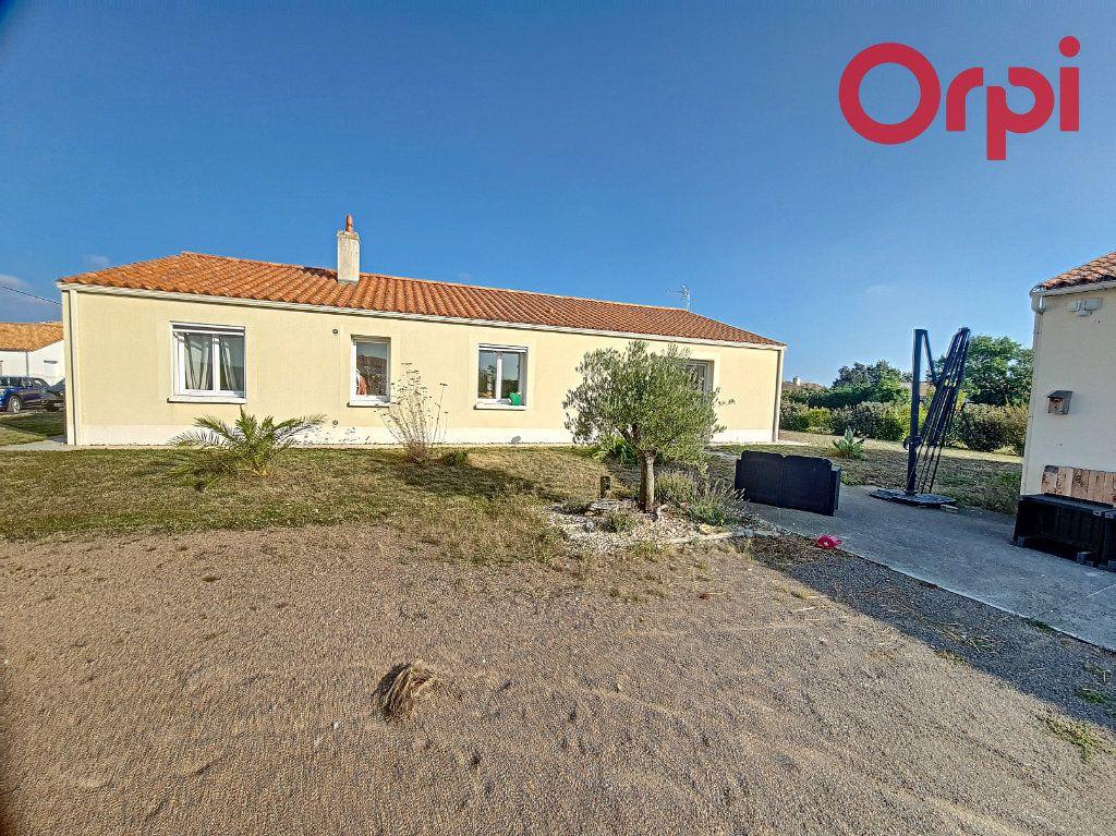Maison à vendre 8 160m2 à Talmont-Saint-Hilaire vignette-1