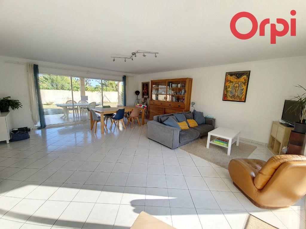 Maison à vendre 8 160m2 à Talmont-Saint-Hilaire vignette-3