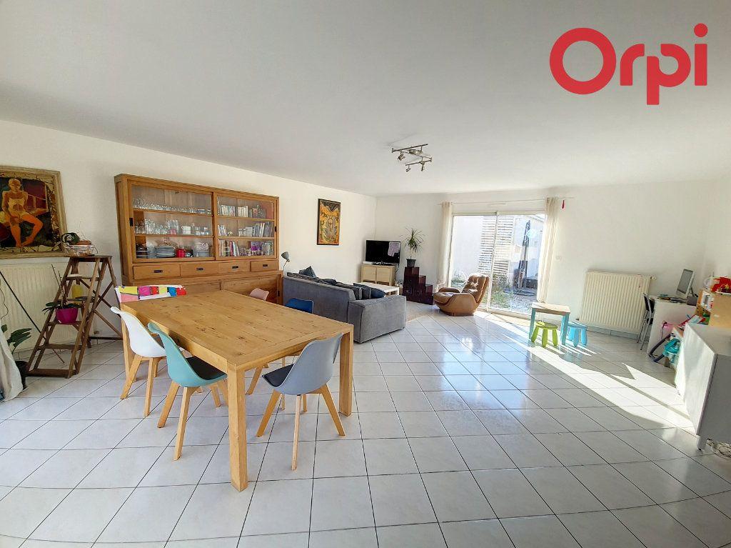 Maison à vendre 8 160m2 à Talmont-Saint-Hilaire vignette-4
