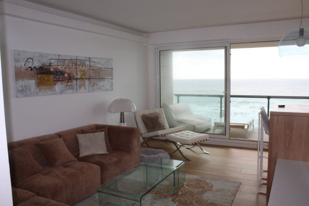 Appartement à vendre 5 120m2 à Les Sables-d'Olonne vignette-1