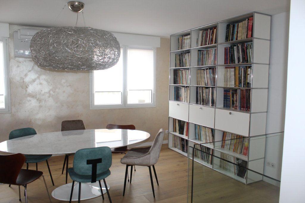 Appartement à vendre 5 120m2 à Les Sables-d'Olonne vignette-3