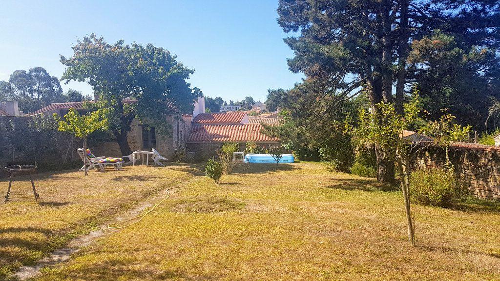 Maison à vendre 5 114m2 à Talmont-Saint-Hilaire vignette-4