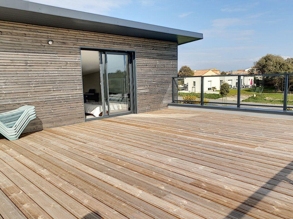 Maison à vendre 6 150m2 à Talmont-Saint-Hilaire vignette-8