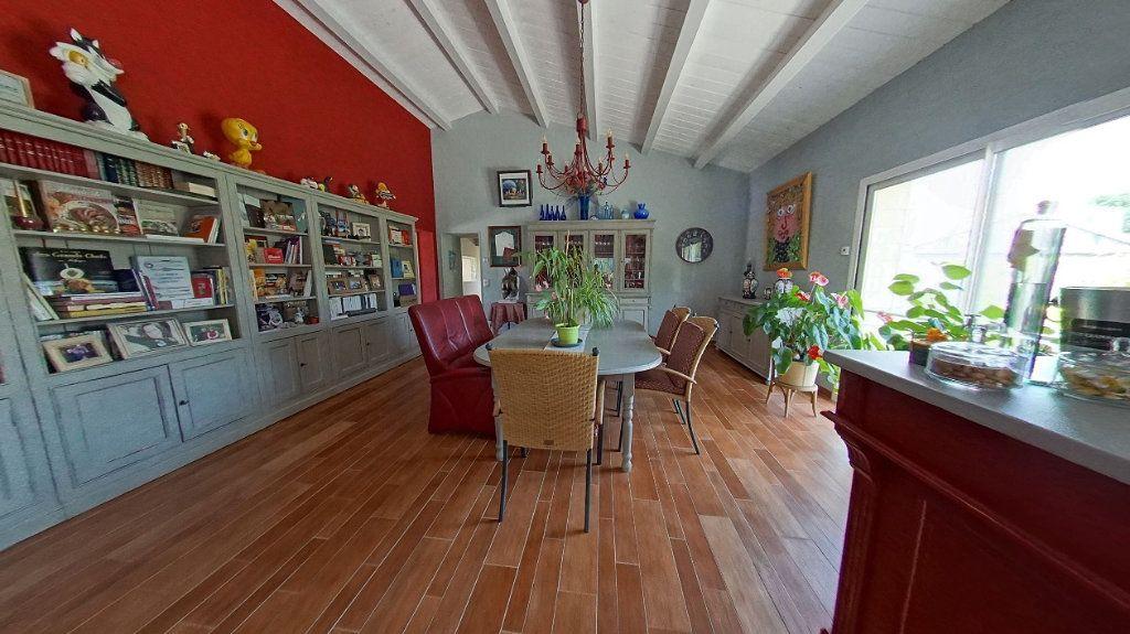Maison à vendre 10 453m2 à Talmont-Saint-Hilaire vignette-4