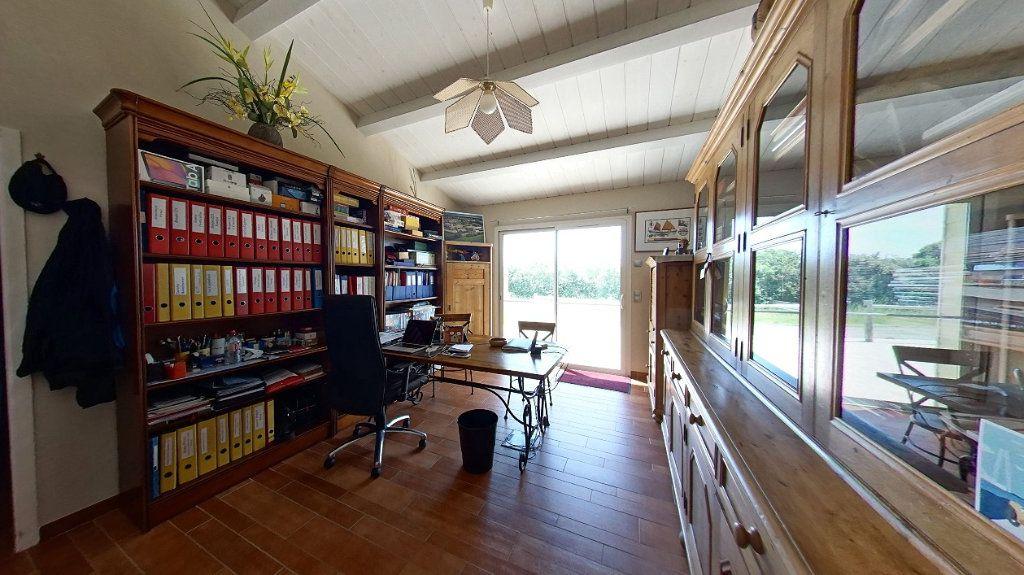 Maison à vendre 10 453m2 à Talmont-Saint-Hilaire vignette-5