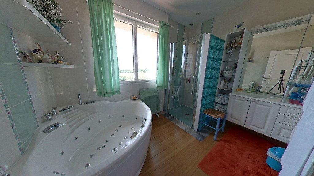 Maison à vendre 10 453m2 à Talmont-Saint-Hilaire vignette-11