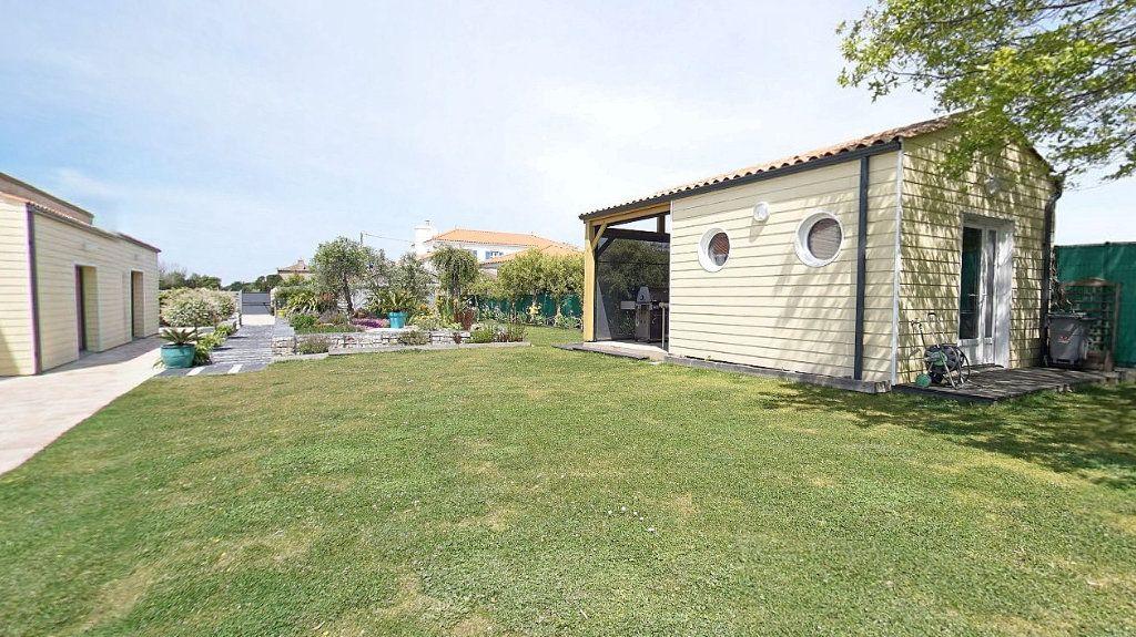 Maison à vendre 10 453m2 à Talmont-Saint-Hilaire vignette-15