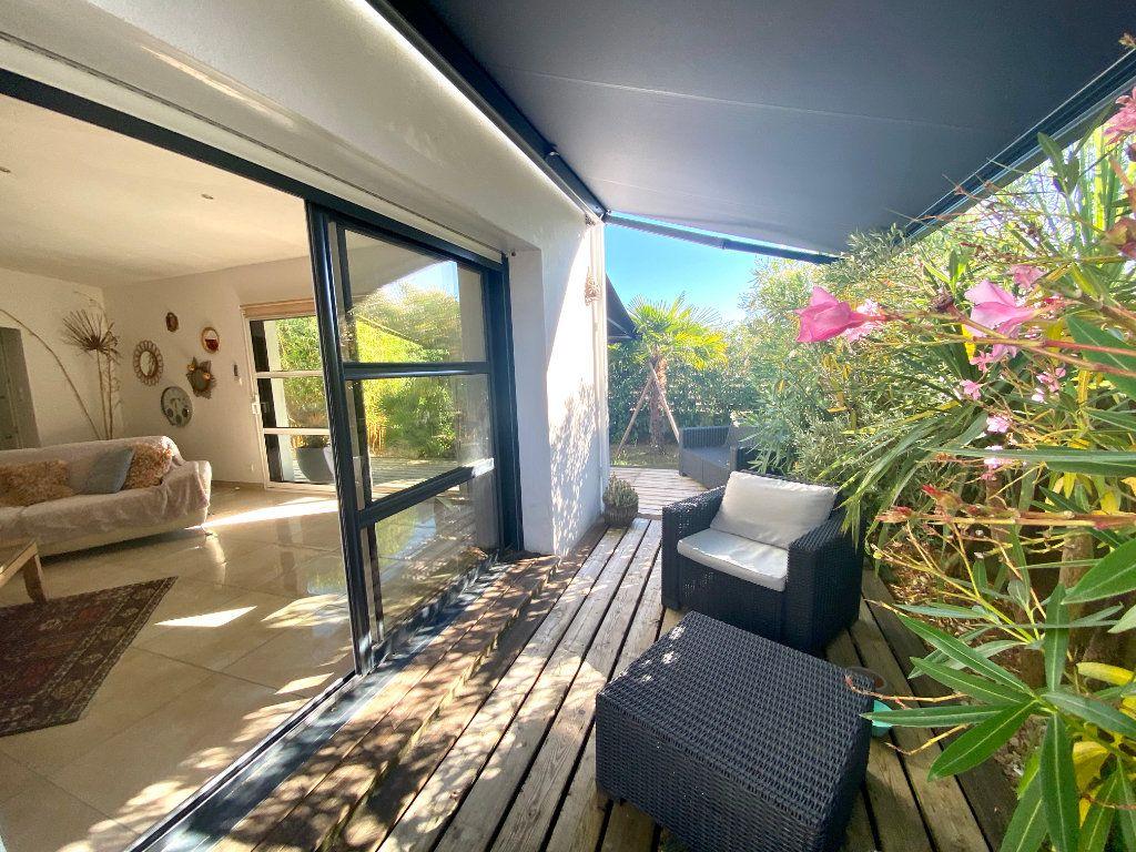 Maison à vendre 7 116m2 à Château-d'Olonne vignette-3