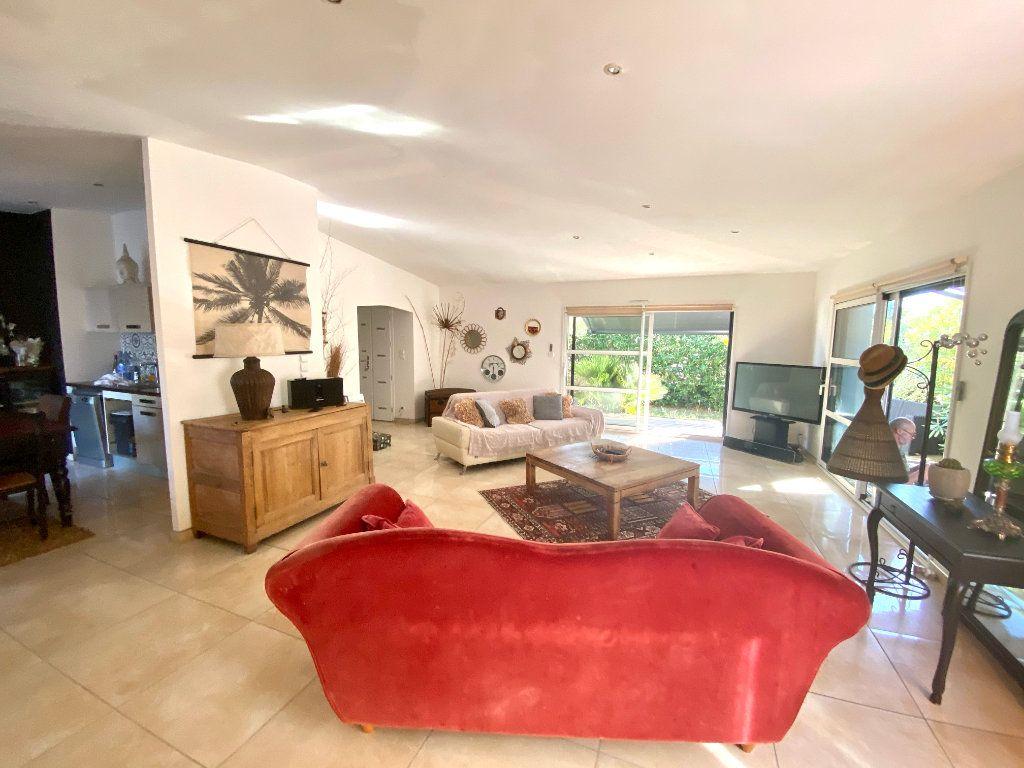Maison à vendre 7 116m2 à Château-d'Olonne vignette-5