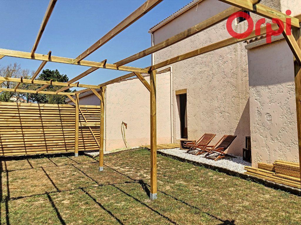 Maison à vendre 5 107m2 à Talmont-Saint-Hilaire vignette-11