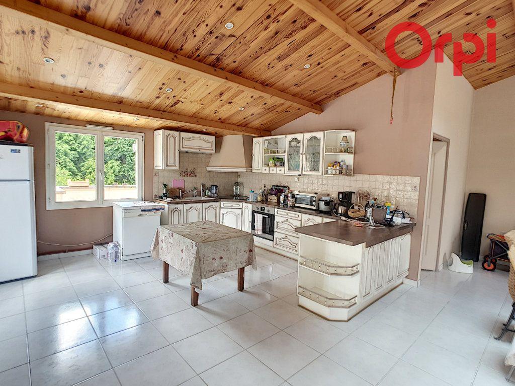 Maison à vendre 10 204m2 à Talmont-Saint-Hilaire vignette-2
