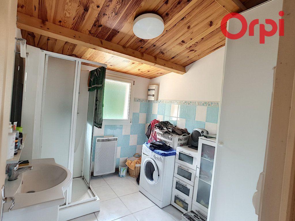 Maison à vendre 10 204m2 à Talmont-Saint-Hilaire vignette-5