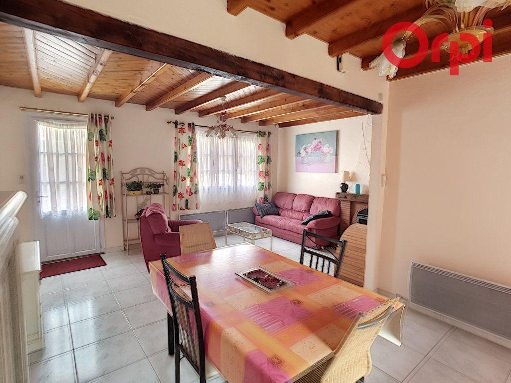 Maison à vendre 10 204m2 à Talmont-Saint-Hilaire vignette-6