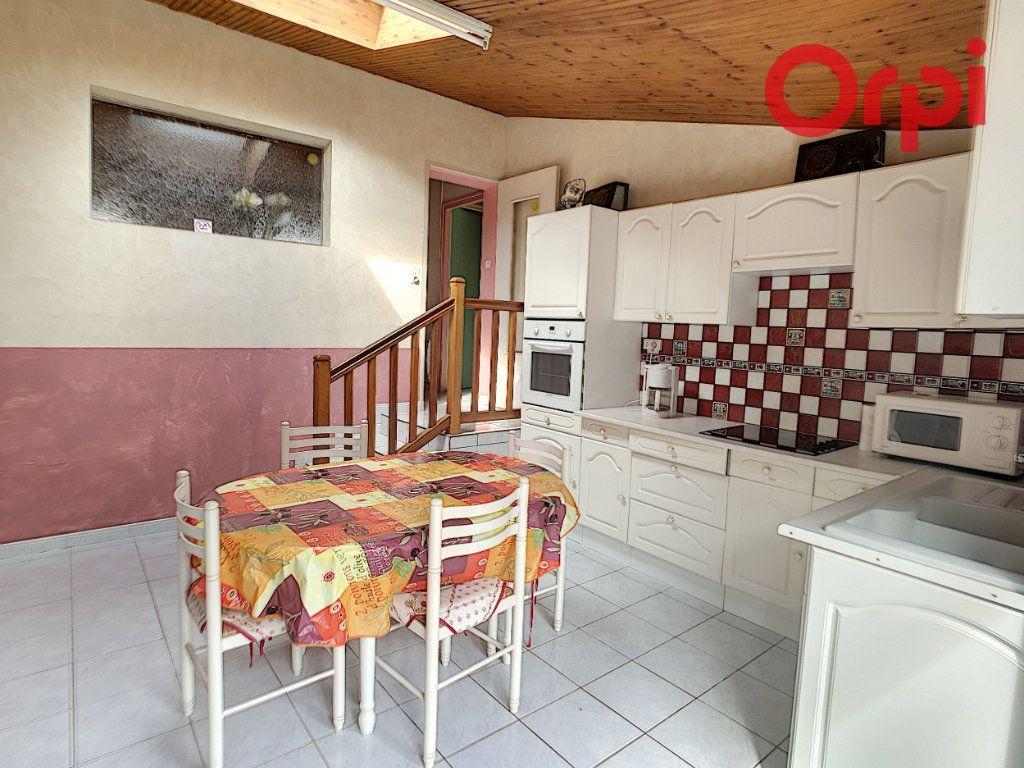 Maison à vendre 10 204m2 à Talmont-Saint-Hilaire vignette-7