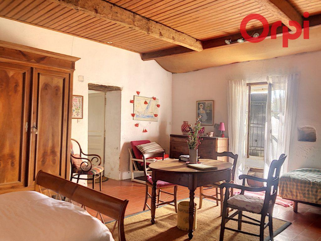 Maison à vendre 5 120m2 à Talmont-Saint-Hilaire vignette-7