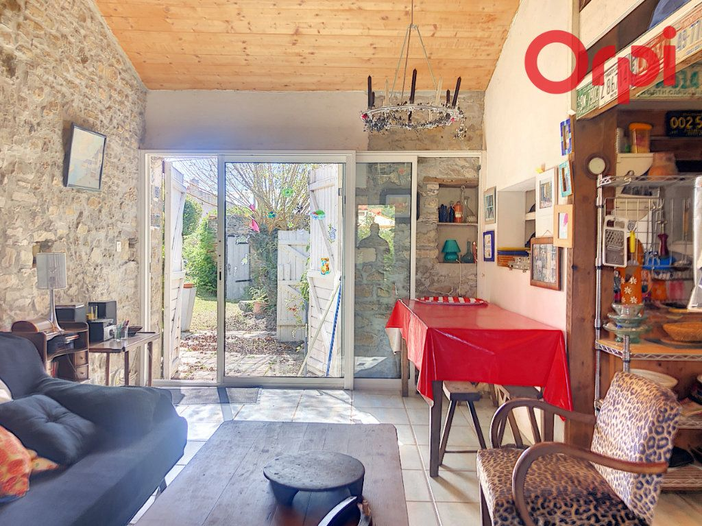 Maison à vendre 5 120m2 à Talmont-Saint-Hilaire vignette-8