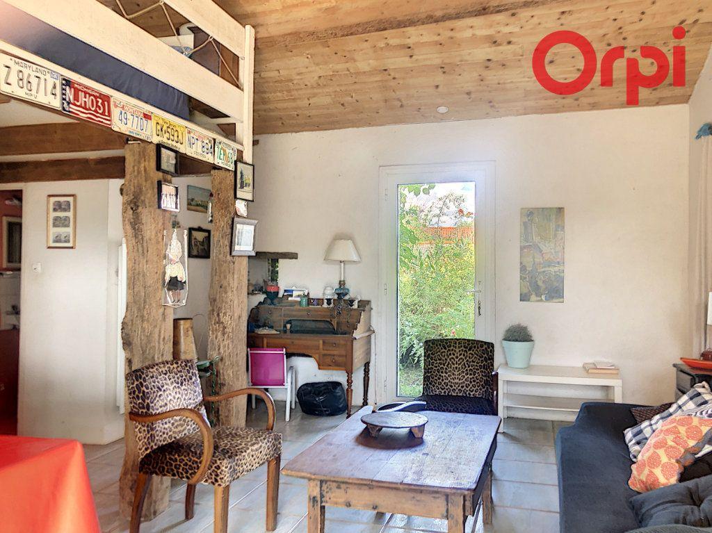 Maison à vendre 5 120m2 à Talmont-Saint-Hilaire vignette-10