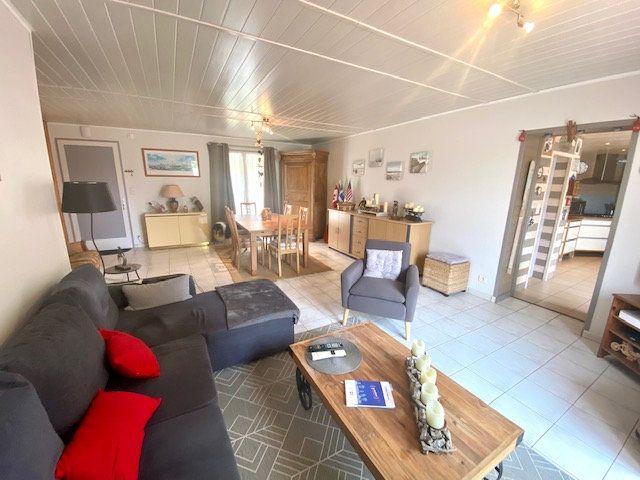 Maison à vendre 4 101m2 à Château-d'Olonne vignette-2