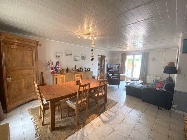 Maison à vendre 4 101m2 à Château-d'Olonne vignette-3